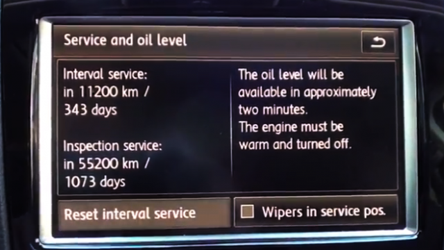 VW Touareg II: Kasowanie wezwania do przeglądu okresowego