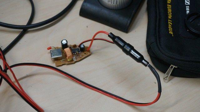 ładowarka USB z bezpiecznikiem